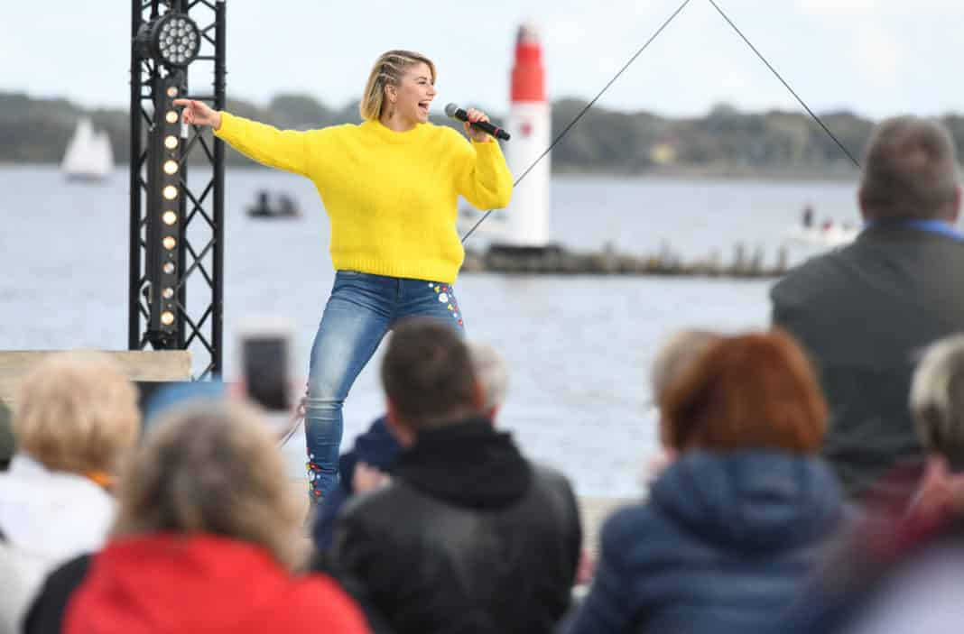 ZDF-Fernsehgarten on Tour Beatrice Egli