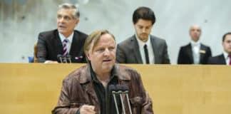 Die Lichtenbergs mit Axel Prahl am 31.12. um 20:15 Uhr im ZDF